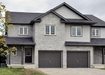 Beautiful Semi-detached Home In Kitchener: Photo