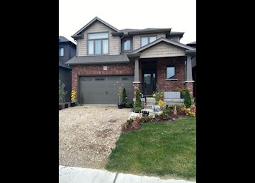 Gorgeous Single detached home in Breslau!: Photo